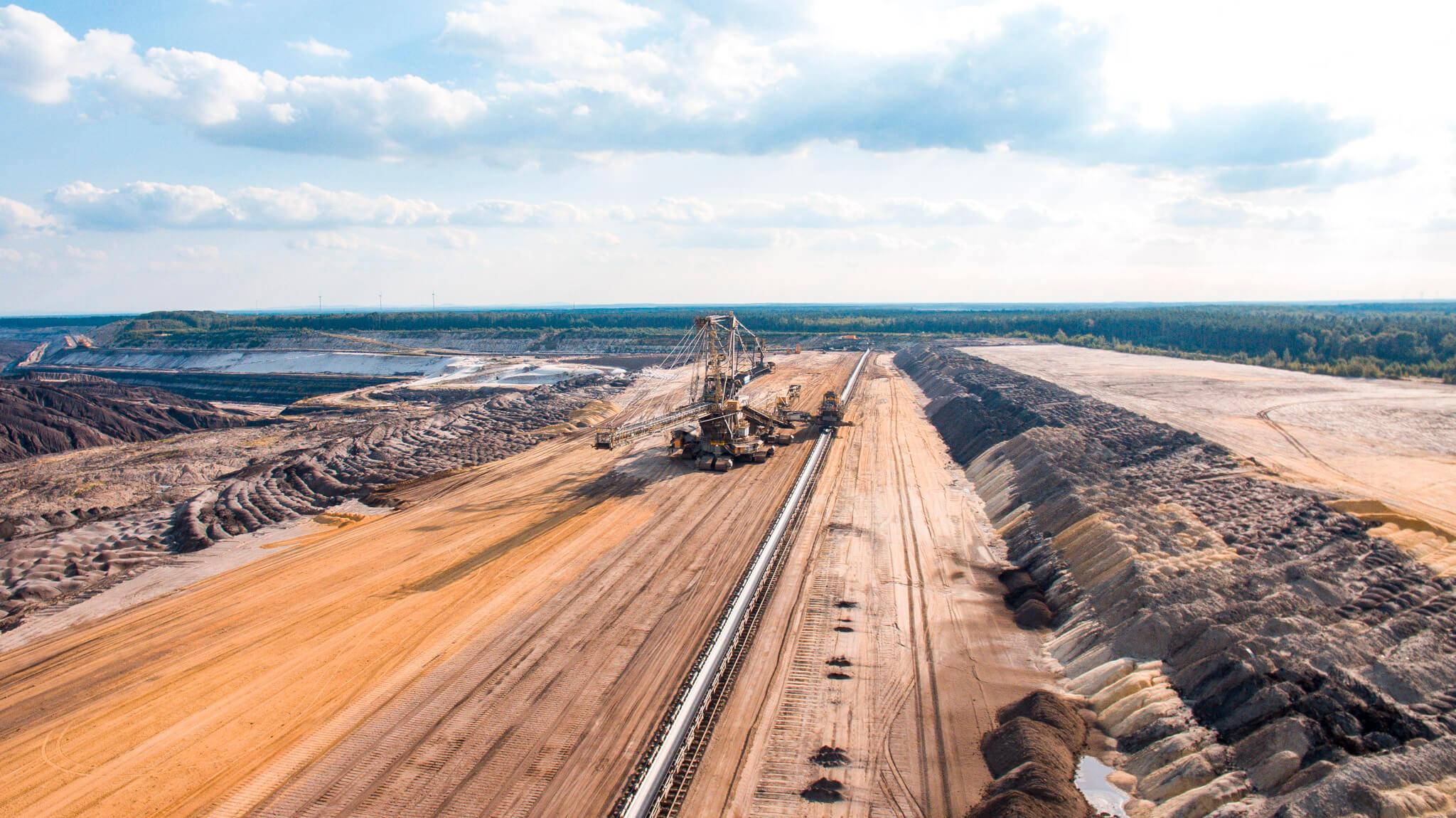 Luftaufnahme Vorschnittbagger Braunkohletagebau Welzow-Süd